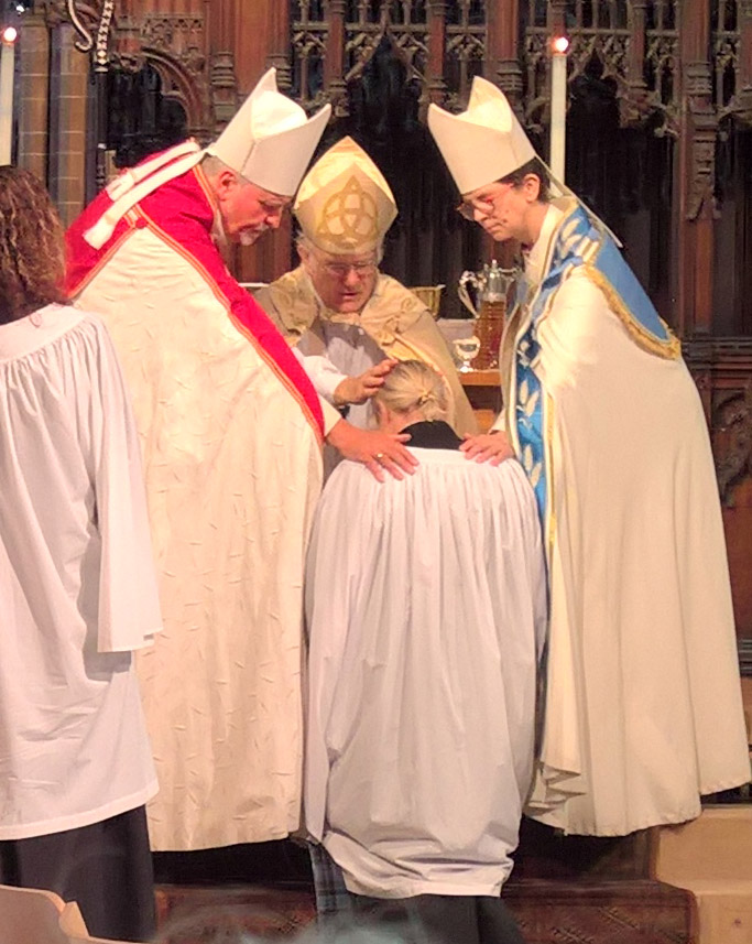 Kirsty Allan ordained as deacon