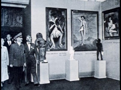 Hittler visiting the exibition Source Wikimedia