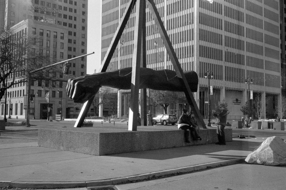 Monument to Joe Louis on JCH Streetpan 400