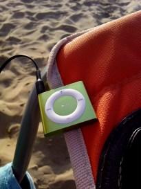 18:06 - Strandsessel mit eingebautem MP3-Player :D