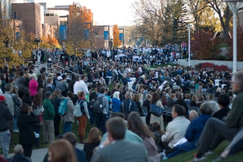 Over 1,000 students and community members gathered for the memorial of Hussain Saeed Alnahdi.