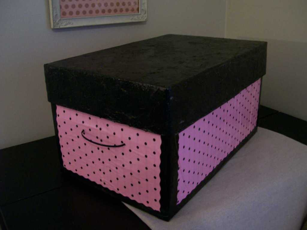 diy keepsake box made from a cardboard storage box with lid