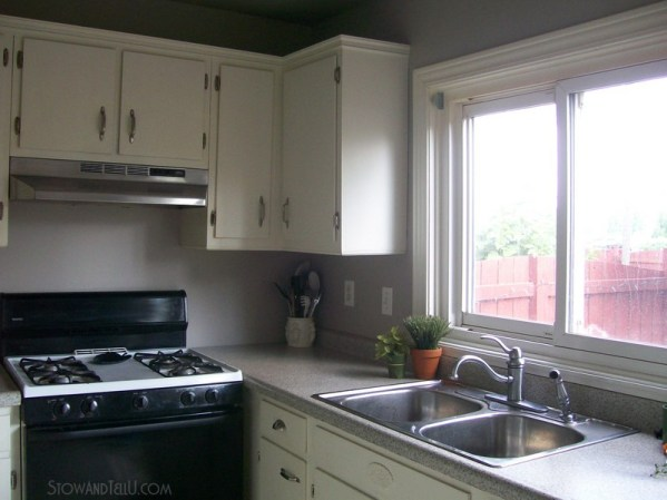 How to create more space in a small kitchen with an over-the-sink-shelf