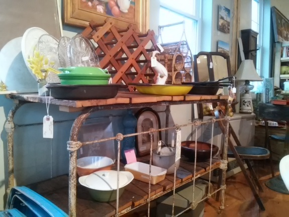 iron-bed-frame-table