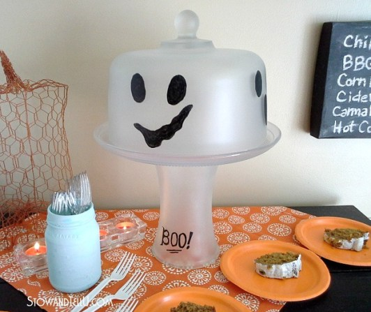 ghost-cake-plate-dome-frosted-glass-http://www.stowandtellu.com