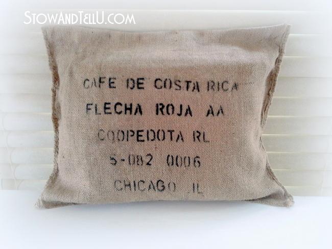 no-sew-burlap-coffee-bean-sack-pillow-http://www.stowandtellu.com