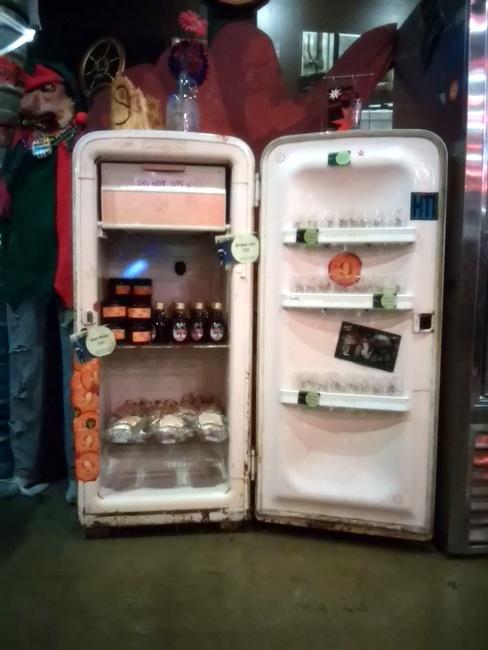 vintage-refridgerator-storage