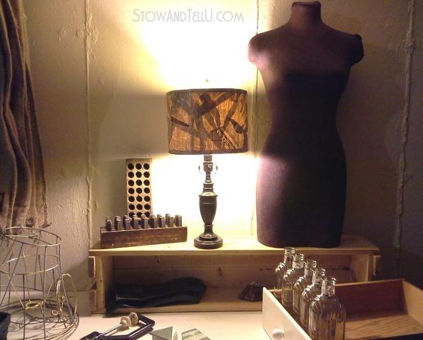 diy-old-newspaper-lamp-shade-https://stowandtellu.com
