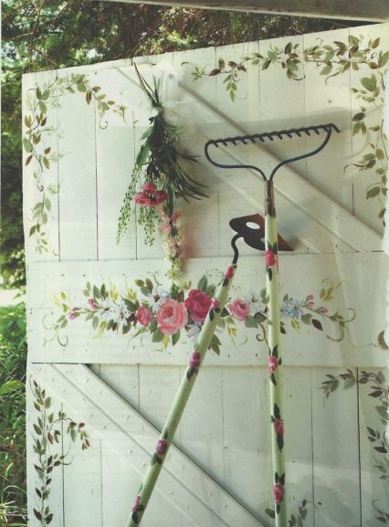 flower-painted-shed-door