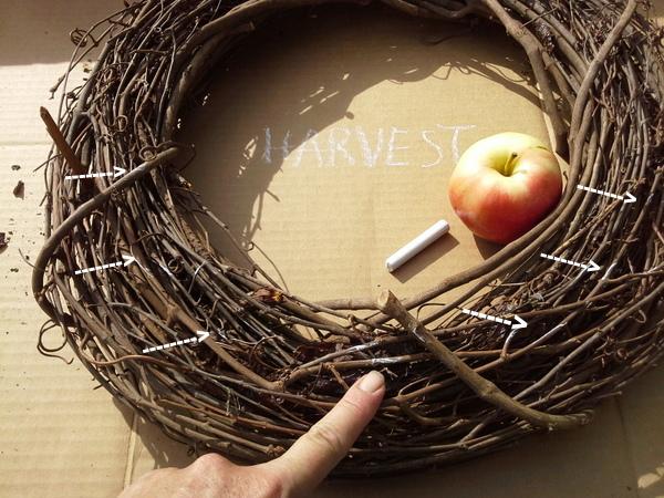 diy-real-apple-wreath