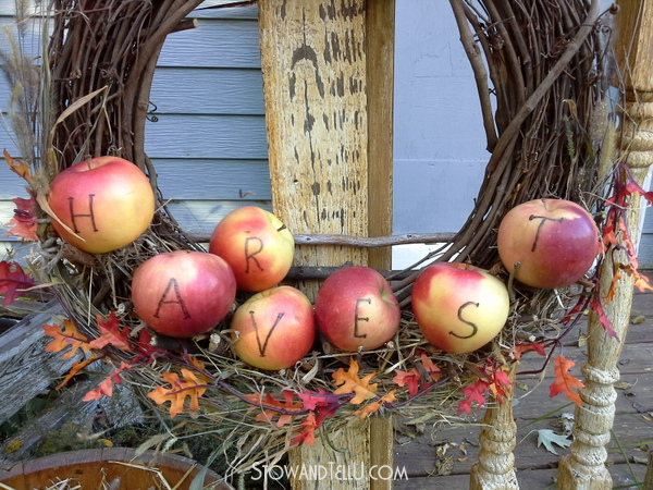 fall and harvest wreaths, decor
