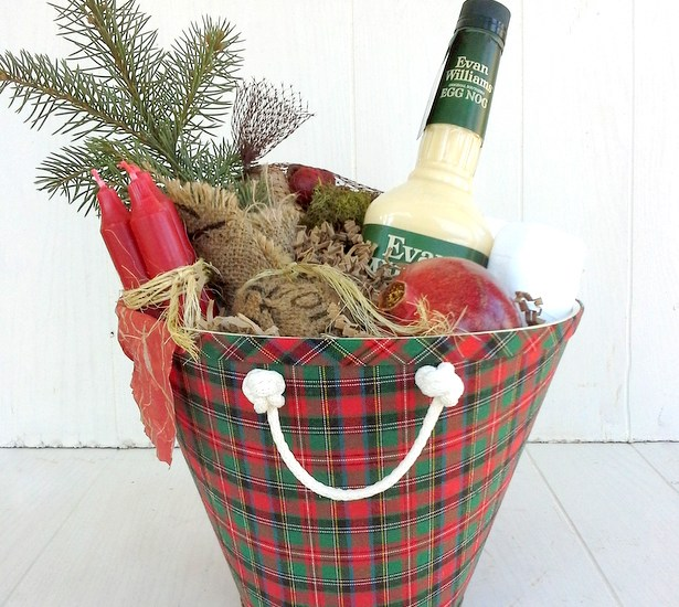 How to turn a lamp shade into a gift basket. Upcycled lamp shade gift basket | Christmas gift wrap ideas| from Stow and TellU