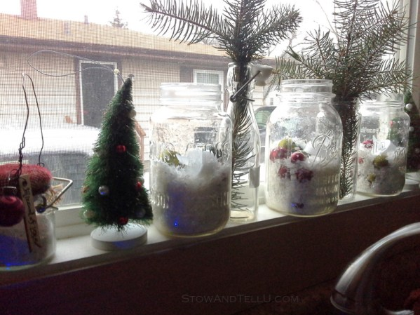 christmas-window-jars-decor