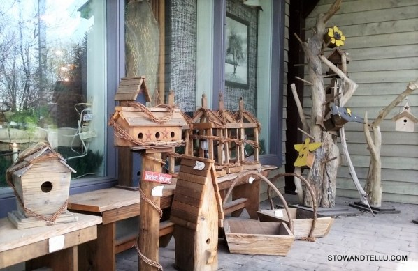 Short visit through Amish Country is worth the trip - Pennsylvania-Dutch-Amish-Country-wood-bench-birdhouse - StowAndTellU.com