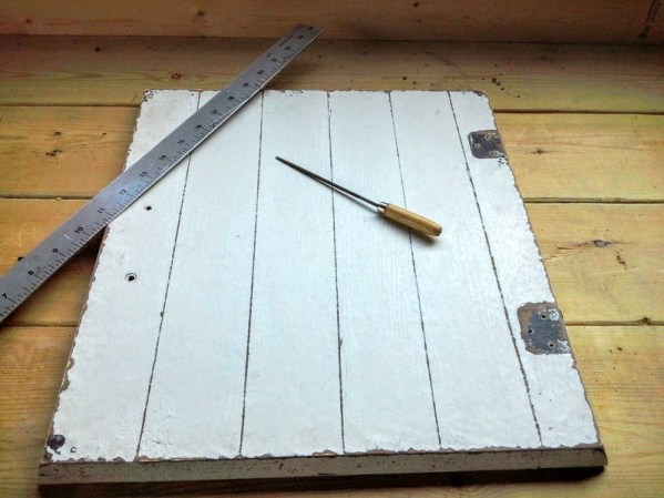 faux-plank-wood-technique - A garden table repurposed from an old weather vane cupola and a cabinet door - diy-table-garden-furniture - StowAndTellU.com