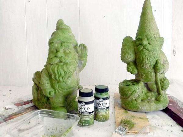 Make garden objects look mossy - StowandTellU.com
