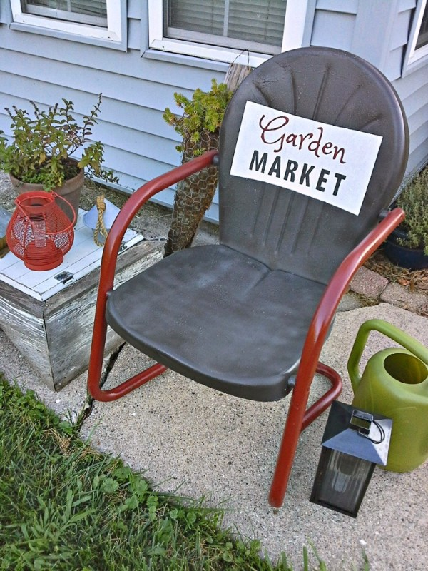 Vintage metal chair with painted sign - stowandtellu.com