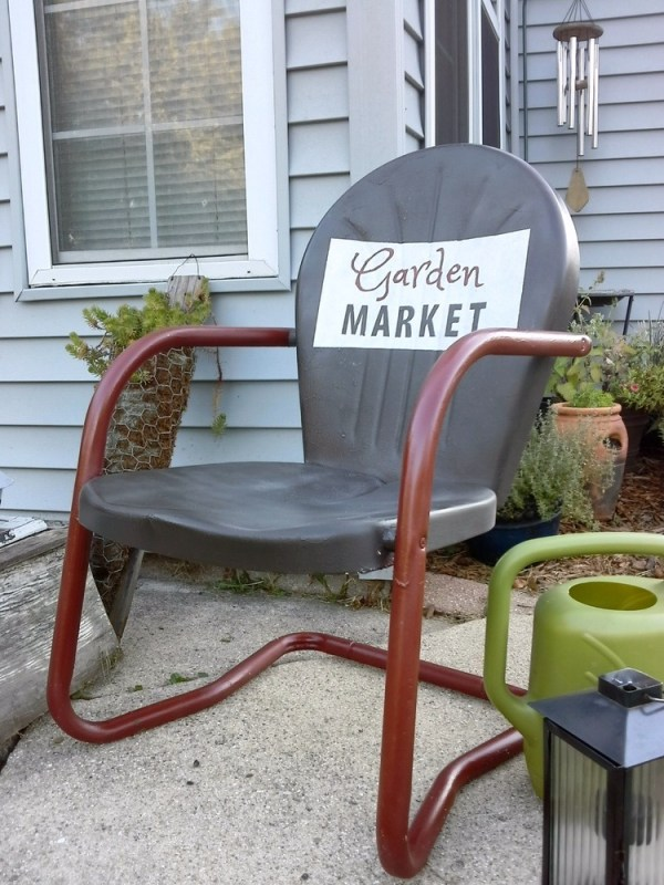 how to paint sign on metal lawn chair - Stow & TellU