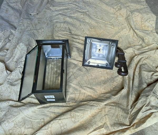 use reflective paint solar lantern - StowandTellU.com