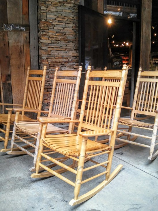 Smoky Mountain style straight back rocking chair - StowandTellU.com