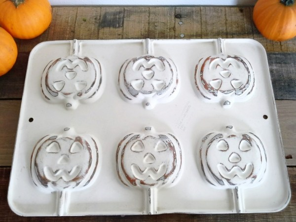 chippy-painted-pumpkin-tins - StowandTellU.com
