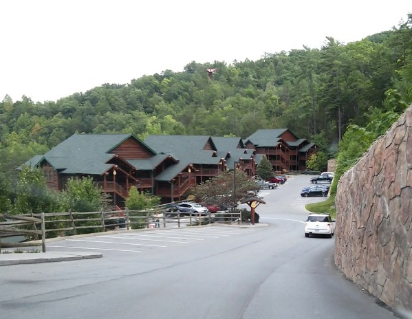 smoky-mountain-style-gatlingburg-cabins