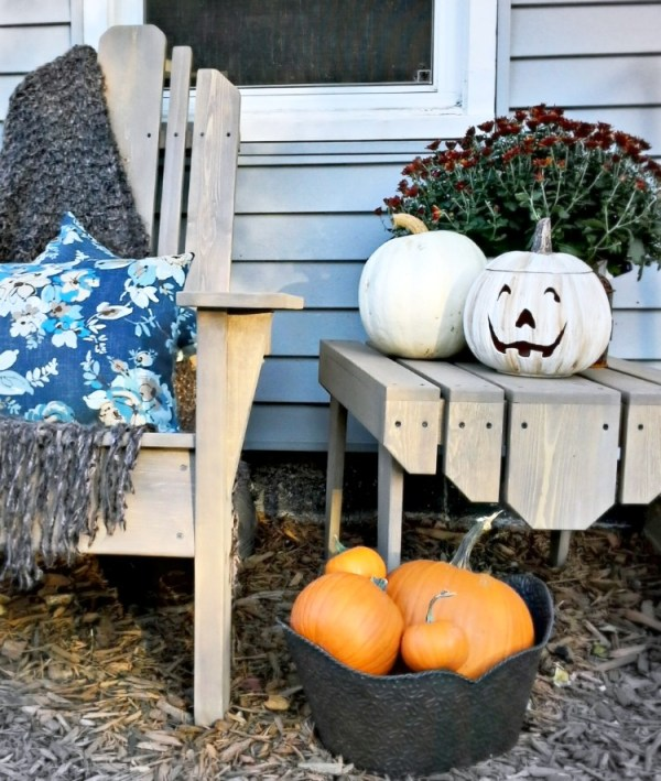 Painted white ceramic faux Halloween pumpkin - StowandTellU