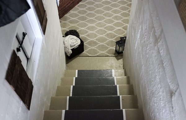 gatehouse-inspiration-stairway-entryway