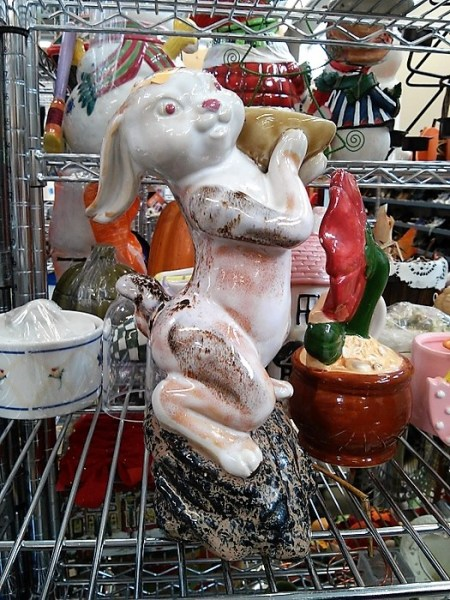 curiously-odd-vintage-easter-figurines