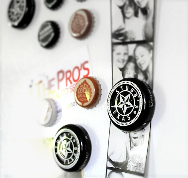 Make bottle cap magnets with beer caps and barbecue sauce jar lids | stowandtellu.com