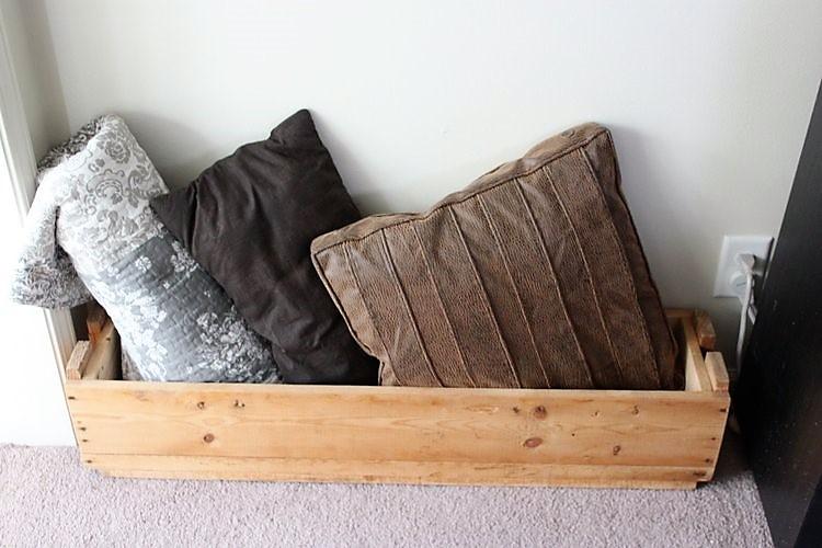 narrow-crate-pillows