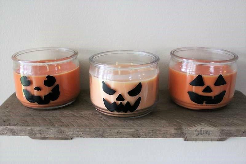 Easy Halloween party decor idea | Jack O'Lantern Jar Candles | Last minute Halloween party decor ideas | Stowandtellu.com