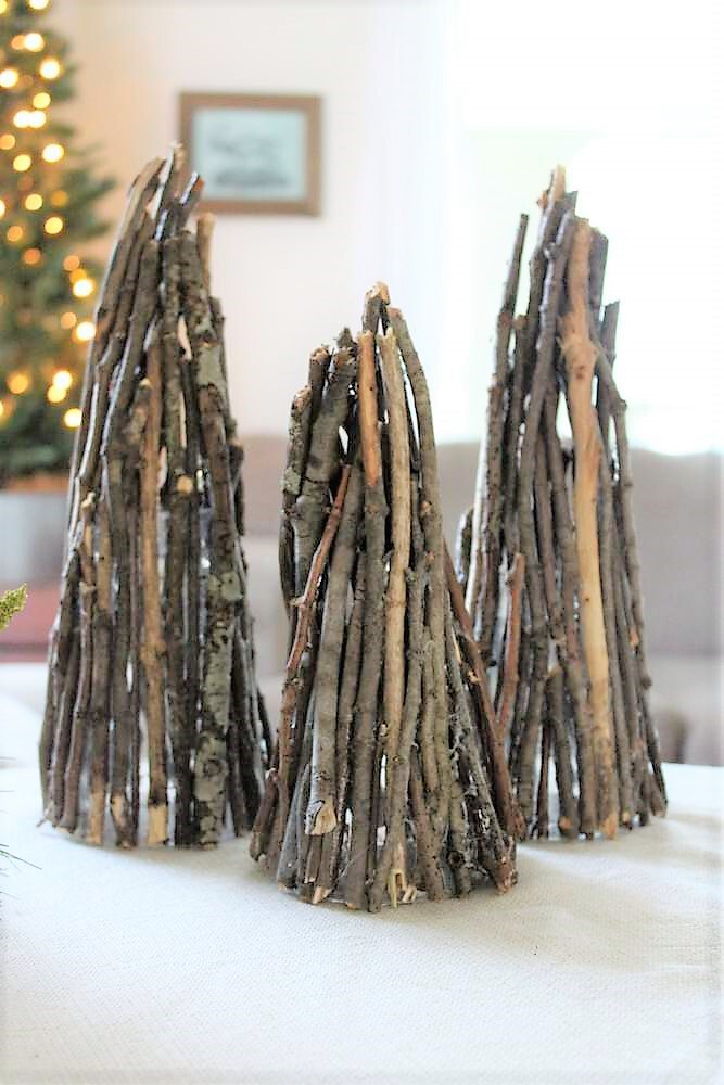 How to make Christmas tree decor twig luminaries | stowandtellu.com