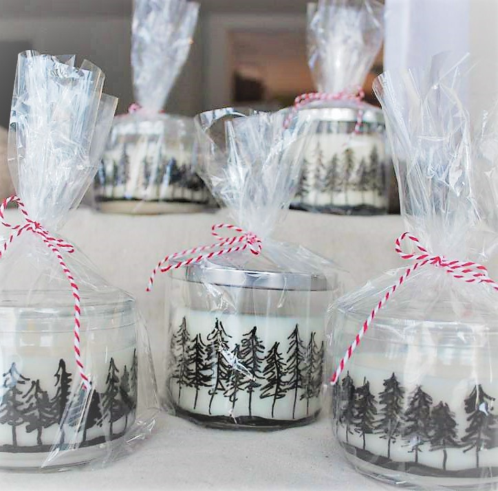 How to make Pine Tree Jar Candles with a paint marker | Stowandtellu.com | Winter wedding or party favor gift idea | stowandtellu.com