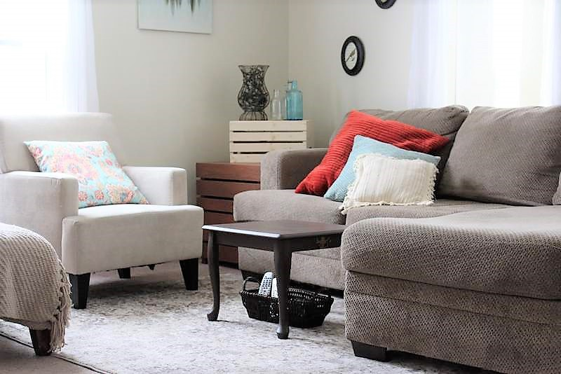 Coffee Table for Small Living Room | stowandtellu.com