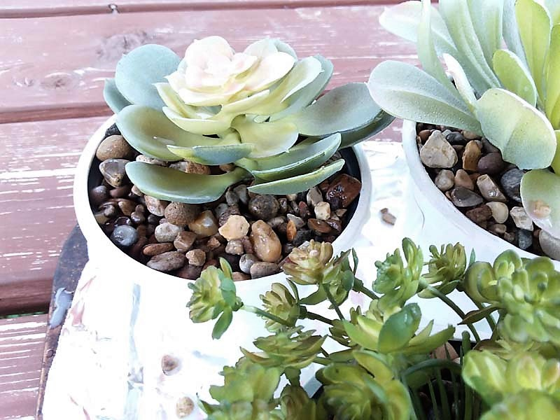 Potting Faux succulents with DIY Pea Gravel Glue | stowandtellu.com