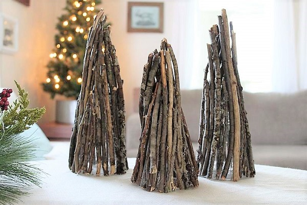 Branch Christmas Trees | Nature Inspired Christmas Crafts