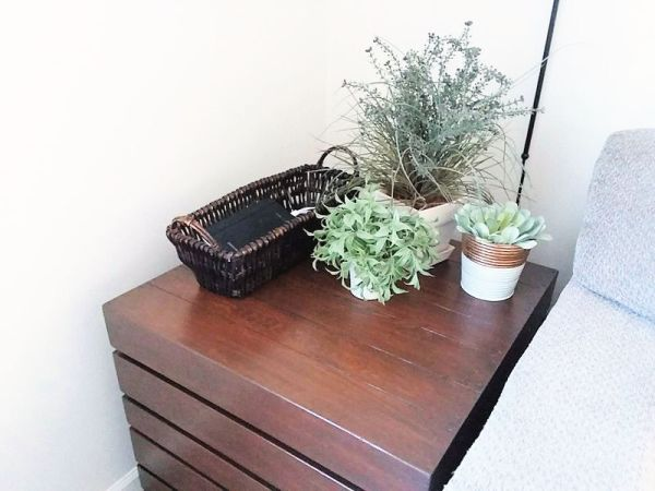 Crate side table stained with gel stain