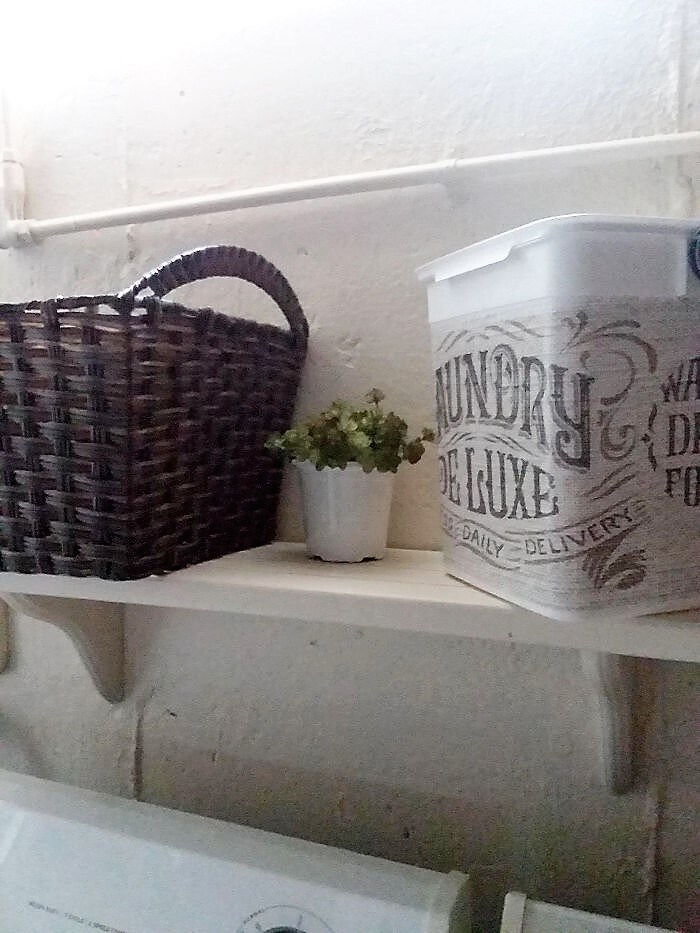 budget-laundry-decor
