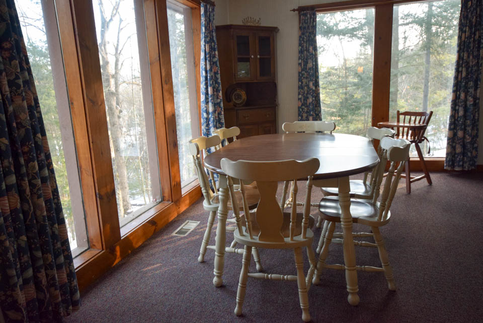 Stowe Cabin Dining