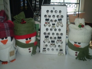 Snowmen earrings and mason jar snowman and penguin  by Lea Jordan