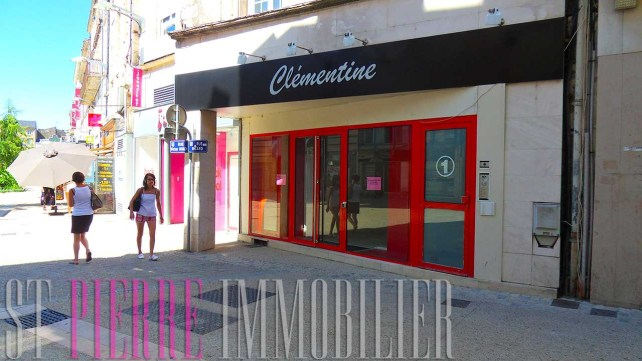 location local commercial emplacement numero 1 niort h&m