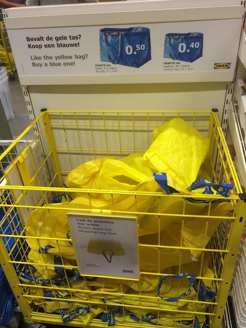 Bevalt geel, koop blauw