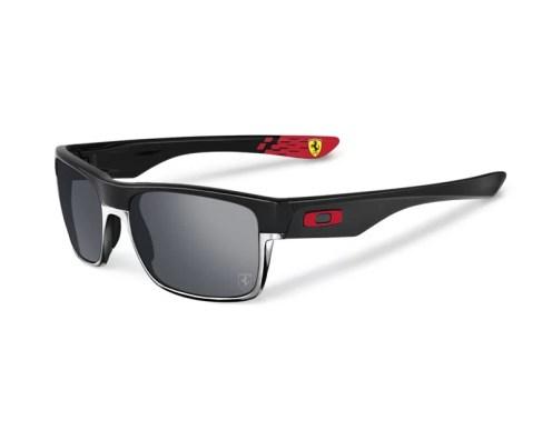 Scuderia Ferrari x Oakley