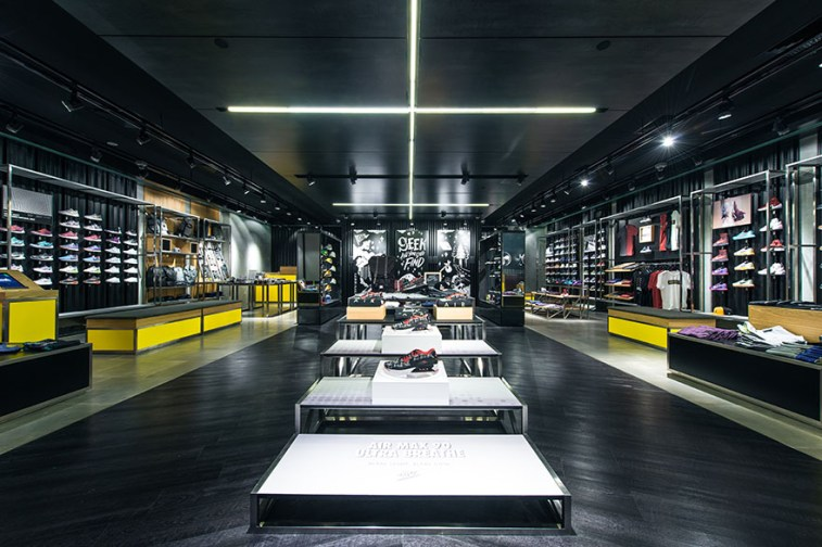 seek-ion-orchard-flagship-store-4