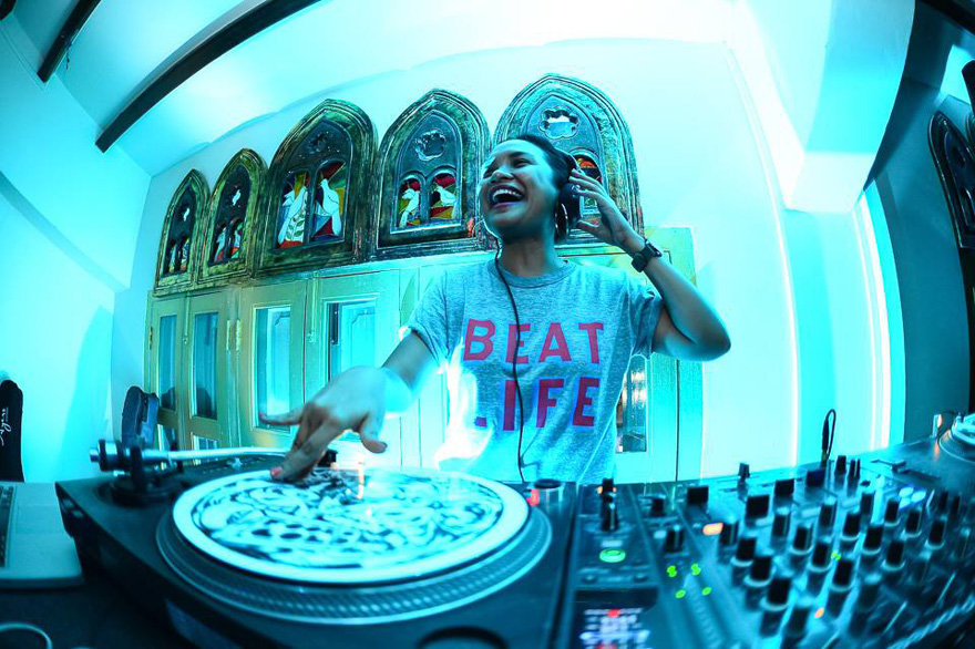 female-djs-do-things-better-1