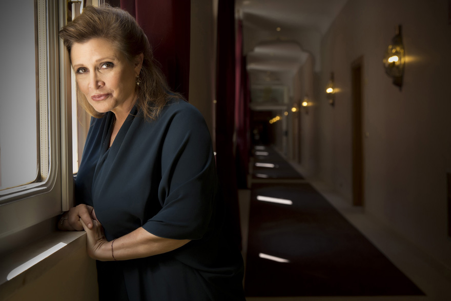 carrie-fisher-passes-away-1