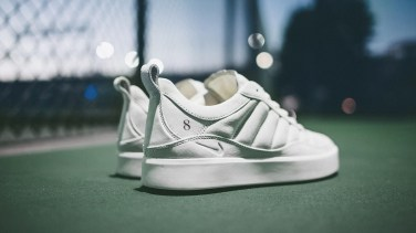 Roger Federer Receives Limited Edition Tennis Sneakers from Nike