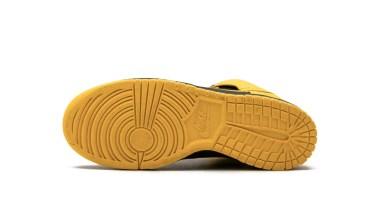 Nike Dunk High Black Maize outsole