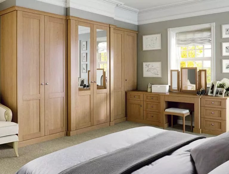 The Art Of Fine Fitted Furniture By Strachan